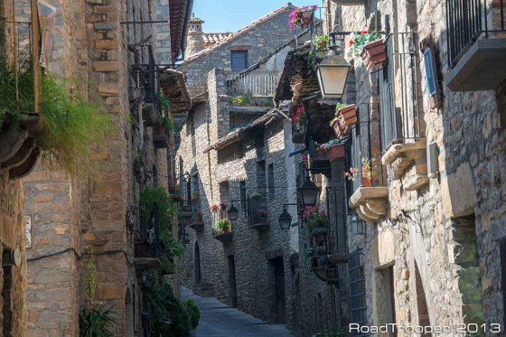 Ainsa Street