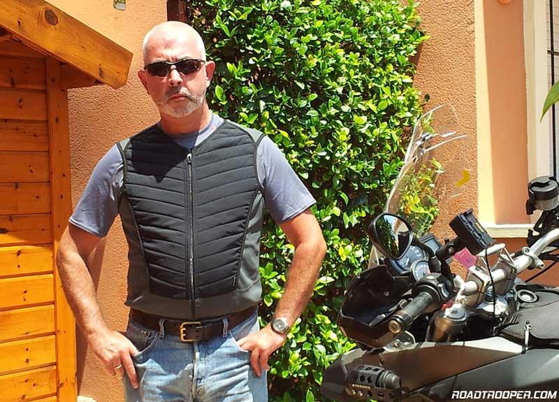 BMW_Motorrad_Cooling_Vest_2