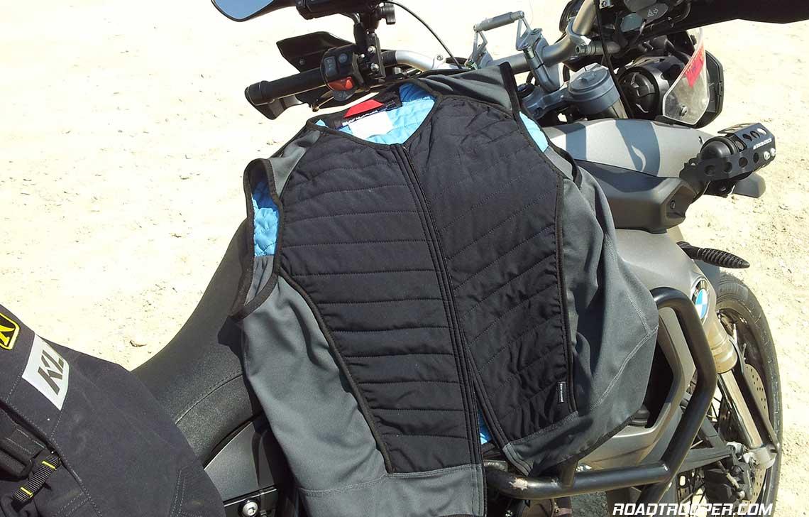 BMW_Motorrad_Cooling_Vest_4